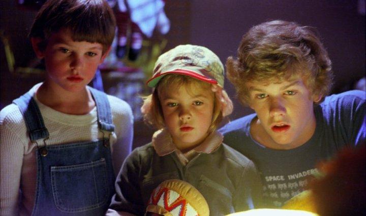 E. T. - Henry Thomas, Drew Barrymore, Robert MacNaughton