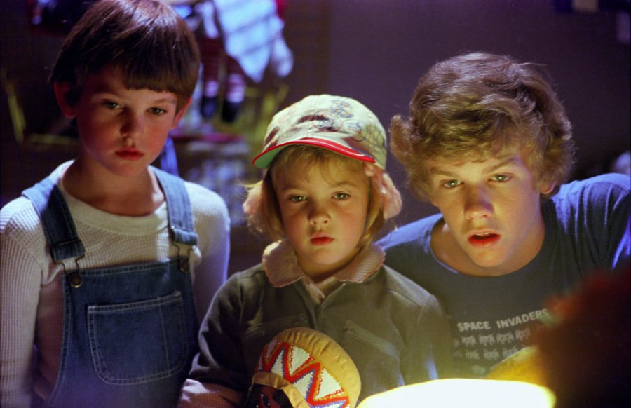 E. T. - Henry Thomas, Drew Barrymore, Robert MacNaughton