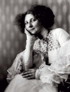Emilie Louise Flöge 1909 (forrás: klimt.com)