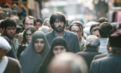 Ben Affleck as Tony Mendez in Argo (forrás:http://www.guardian.co.uk/world/iran-blog/2012/nov/13/argo-iranians-ben-affleck )