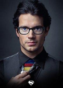 Clark Kent szemüvegben