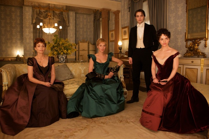 Bel Ami - Kristin Scott Thomas, Uma Thurman, Robert Pattinson, Christina Ricci
