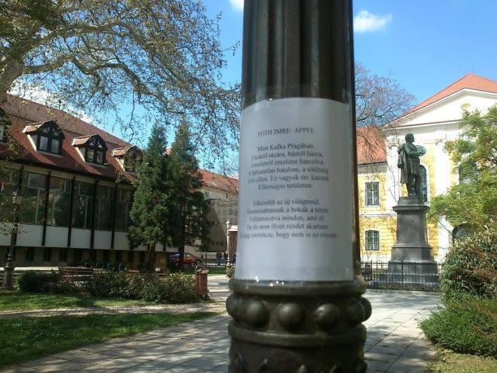 Zalaegerszeg igazán jó fej könyvtárosokkal büszkélkedhet, az oszlopra a Deák Ferenc Megyei Könyvtár munkatársai posztoltak :)