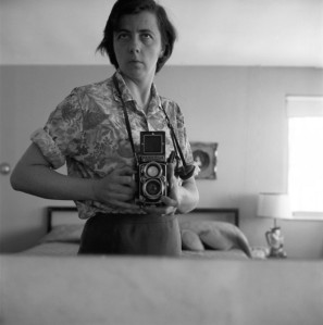 Vivian Maier (forrás: http://vivianmaierprints.com/)