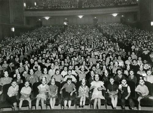 A Mickey Mouse Club találkozója az 1930-as években