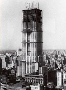 Az Empire State Building építése a Waldorf-Astoria helyén (forrás: http://www.nyhabitat.com/blog )