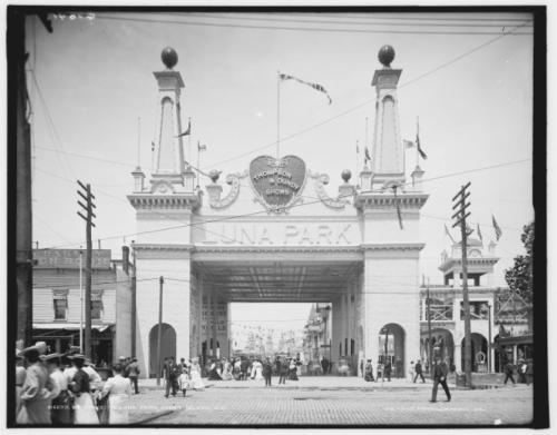 A Luna Park bejárata, Coney Island, 1903 (Fotó: Kongresszusi Könyvtár, Washington)