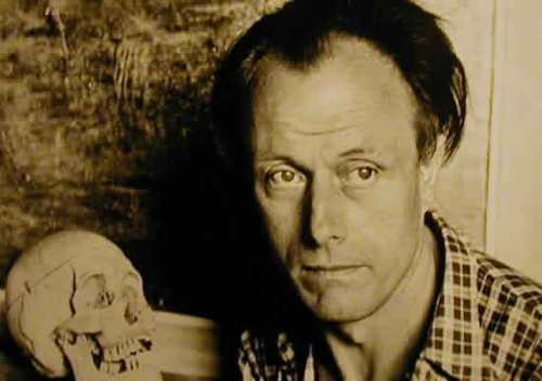Paul Delvaux, belga festő, 1897 szeptember 23-án született.