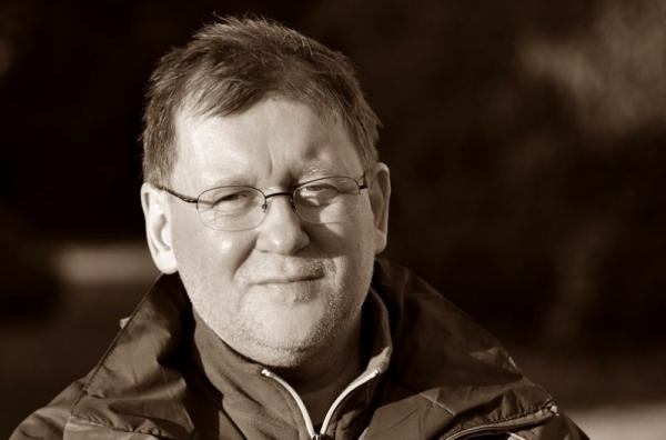 Vörös István költő, prózaíró, kritikus, irodalomtörténész, tanár 1964. szeptember 20-án született Budapesten.