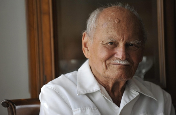Göncz Árpád író, műfordító, a harmadik Magyar Köztársaság első elnöke 1922. február 10-én született, Budapesten.