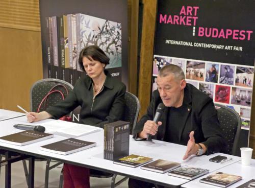 Szeifert Judit és Sárkány Győző a 2014-es könyvbemutatón az Art Marketen