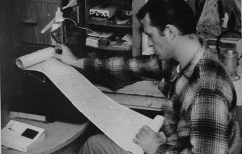 Jack Kerouac az eredeti tekerccsel
