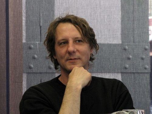 Kiss Ottó József Attila-díjas költő, író 1963. október 10-én született, Battonyán.