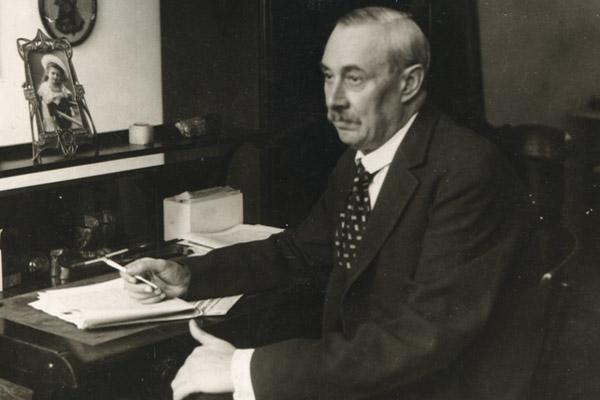 Krúdy Gyula író, hírlapíró 1878. október 21-én született Nyíregyházán. (Elhunyt 1933. május 12-én, Óbudán)