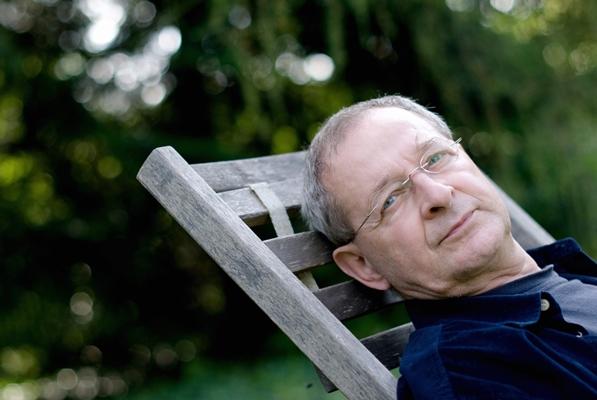 Nádas Péter Kossuth-díjas író, drámaíró, esszéista 1942. október 14-én született, Budapesten. (Fotó: Gombosszeg, 2009. július 11. MTI / Kollányi Péter)