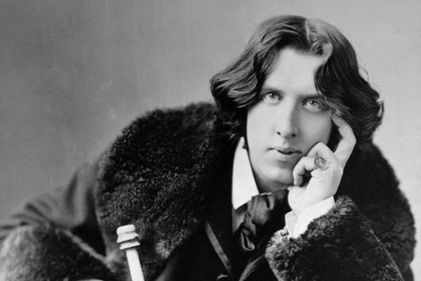 Oscar Wilde (eredeti nevén Fingal O'Flahertie Wills) ír költő, drámaíró 1854. október 16-án született Dublinban. (1900-ban halt meg, Párizsban.)