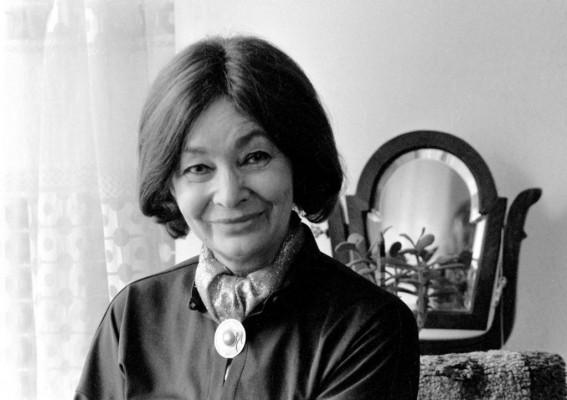 Szabó Magda Kossuth-díjas író, költő, műfordító 1917. október 7-én született Debrecenben. (Elhunyt 2007. november 19-én, Kerepesen.)