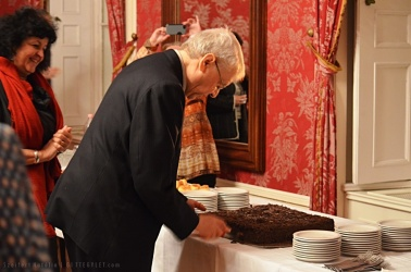 Az tortának a megszegése
