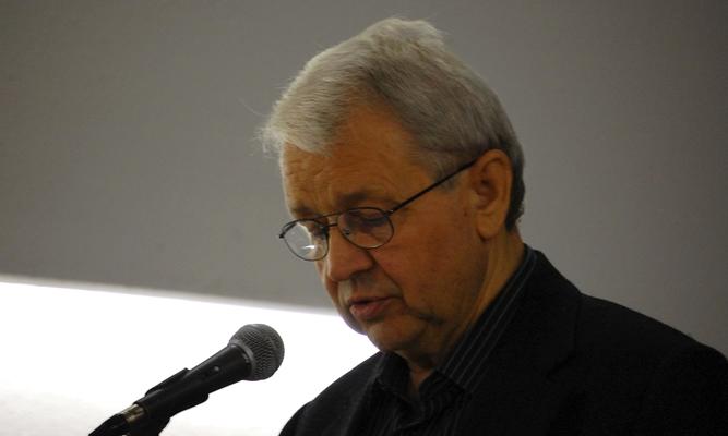 Bertók László, Kosuth- és József Attila-díjas író, költő, a Digitális Irodalmi Akadémia alapító tagja 1935. december 6-án született a Somogy megyei Vésén. (Fotó: Csuhai István)