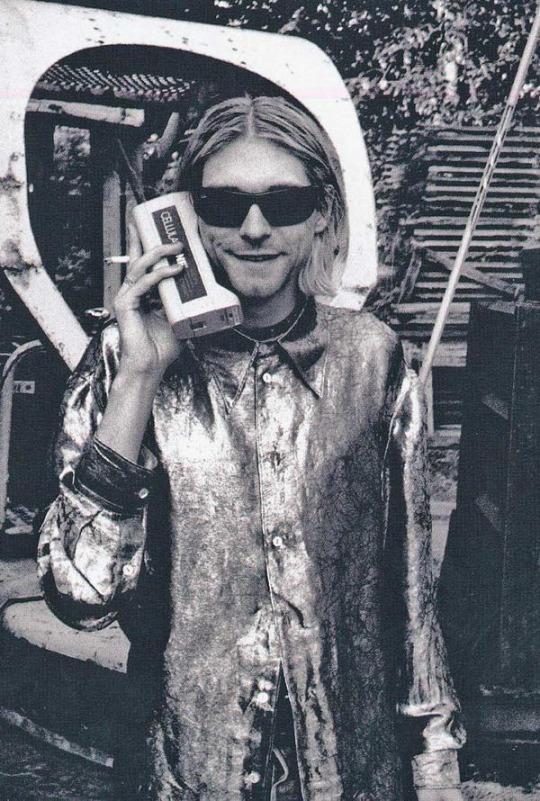 Kurt Cobain telefonál 1994-ben.