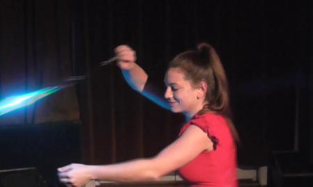 Márványi Anna tánccirkusz-művész, tűz- és fényzsonglőr