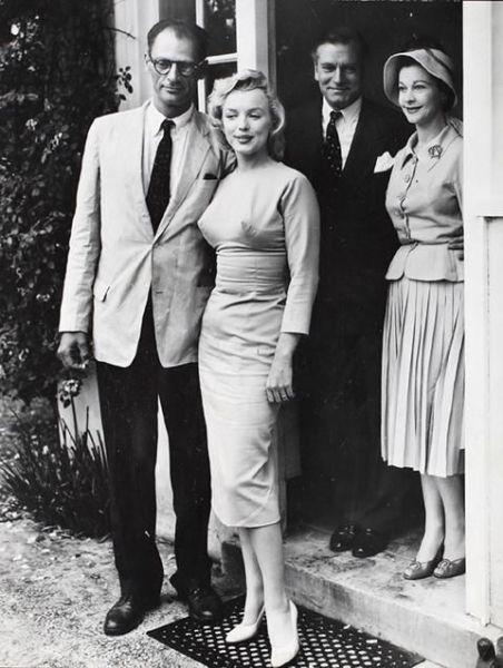 Arthur Miller, Marilyn Monroe, Laurence Olivier és Vivien Leigh, 1960 körül.