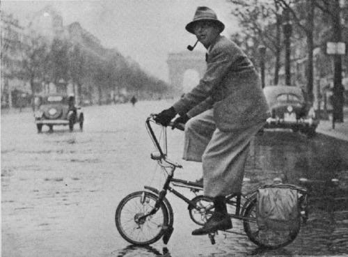 Szerettek biciklizni? JEAN-PAUL SARTRE szeretett, legalábbis 1940-ben ezzel a kis városi bringával szelte Párizs utcáit.