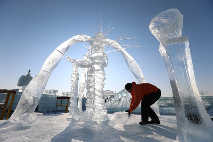 harbin-ice-festiva_EPA-Wu-Hong2