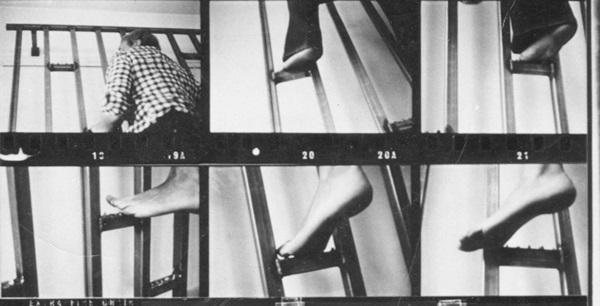 Gina Pane: Escalade sanglante, 1971 (fotó: Françoise Masson, centrepompidou.fr)