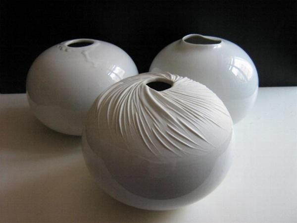 Gergely Nóra: Porcelán vázák II. (fotó: bpkeramia.hu)