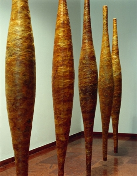 Lovas Ilona: Stáció No. 26, marhabél, drót - 1995 (fotó: Ludwig Múzeum)