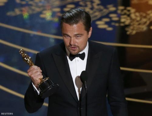 Leonardo DiCaprio az Oscar-díjjal